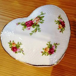Victorian Heart Box - Scatola a Cuore OLD COUNTRY ROSES