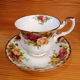 Tazza Tea con piattino OLD COUNTRY ROSES